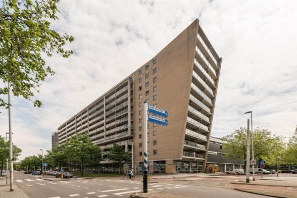 Flat aan de Heer Bokelweg te Rotterdam